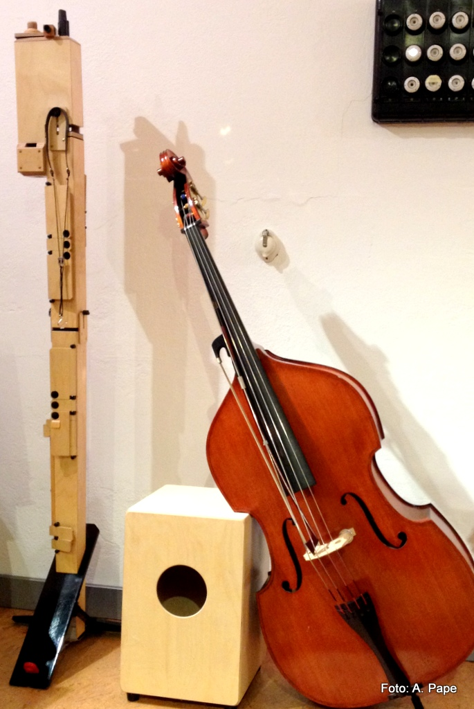 Viereckige Kontrabassflöte (Paetzold), Kinderkontrabass,; Unterricht Musik, Cajon