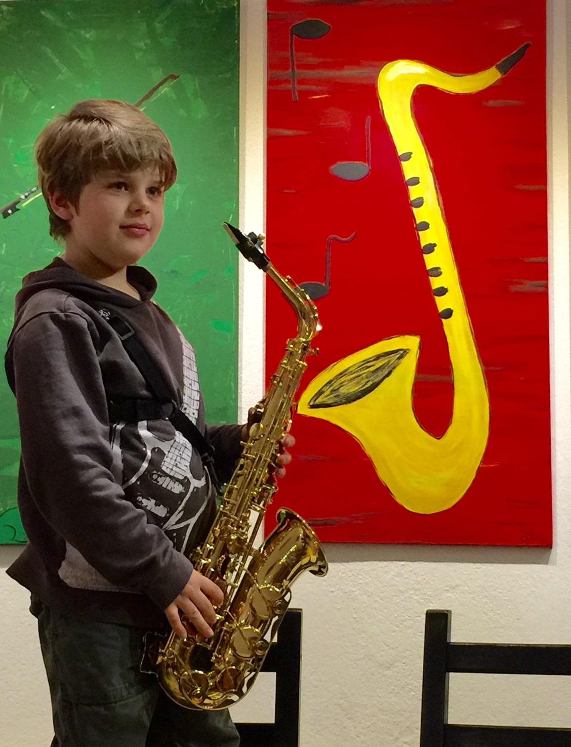 Junge mit Saxophon, Saxophonschüler MusiCeum