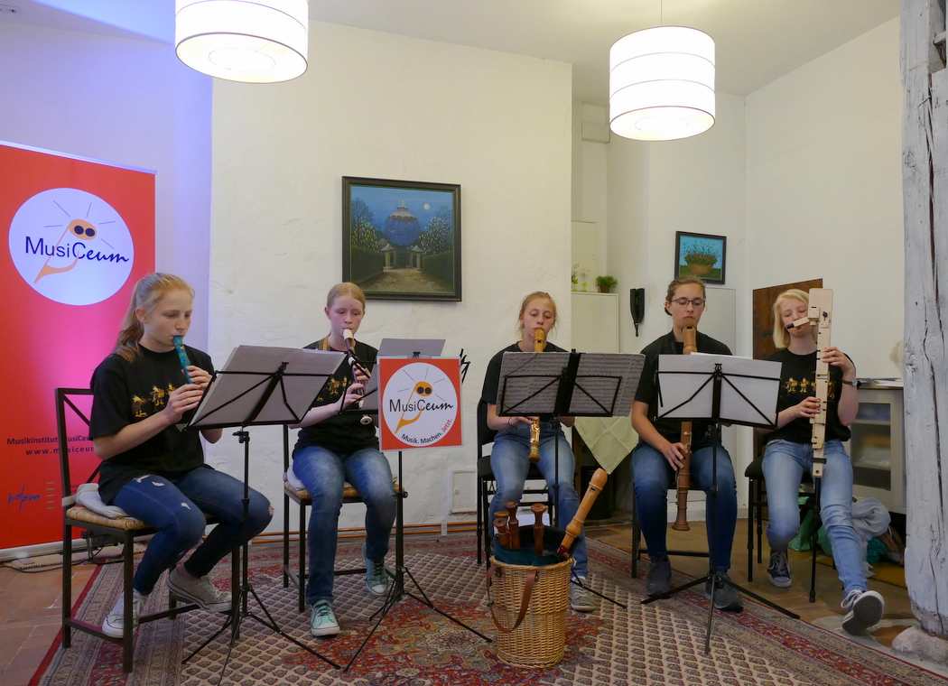 Blockflötenensemble, Blockflötenunterricht, Flötenlehrerin