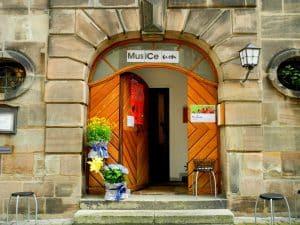 Offene Tür zum Karzer Erlangen